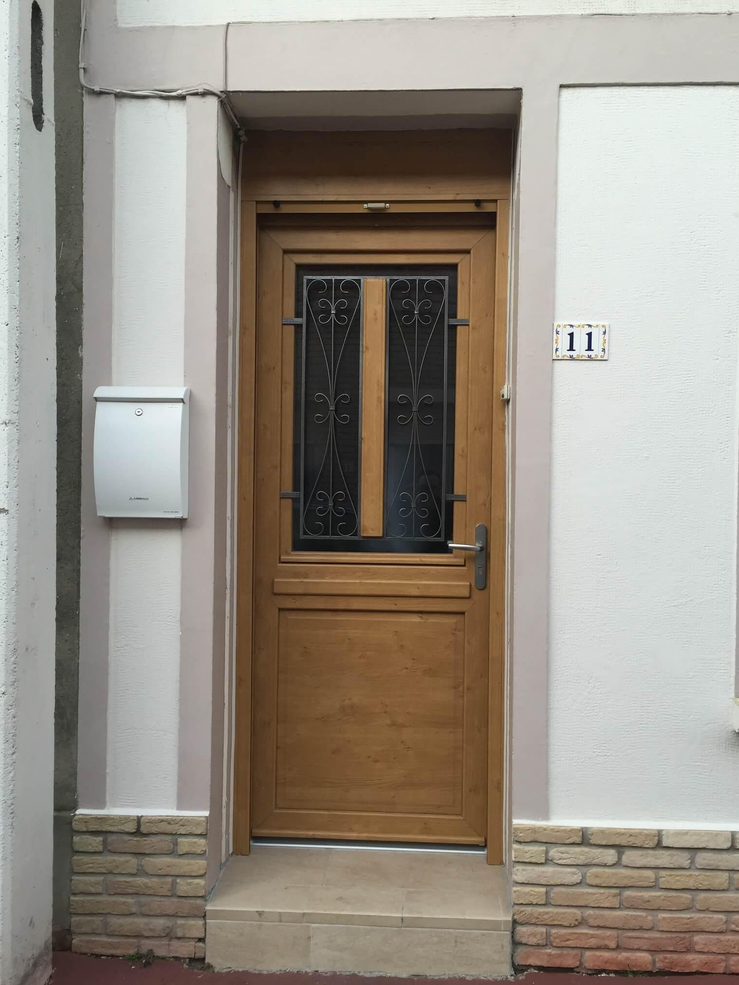 Porte d'entrée Merville